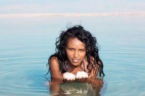 woman-in-salty-sea