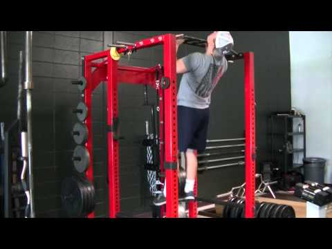 Rebel-performance.com: Bad Pull Up 2-Reaching With Chin