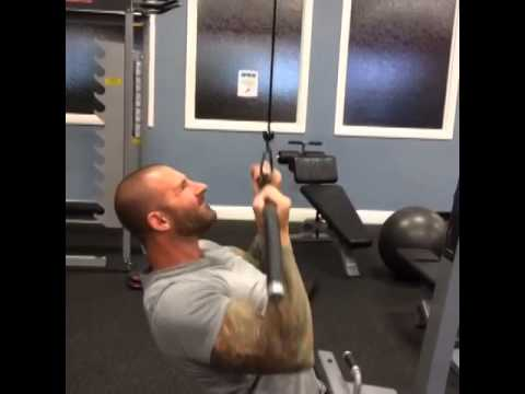 Jim's 15-Second Tip: Reverse-Grip Pulldown
